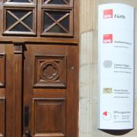 Foto des Eingangsbereichs der Geschäftsstelle Fürth